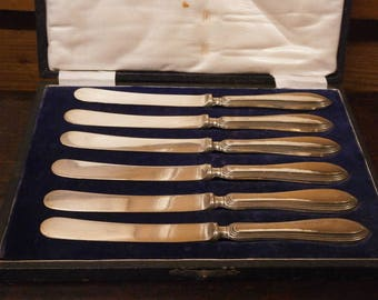 Hallmarked Silver Handled Butter Knives - Cased - 1918 - Antique