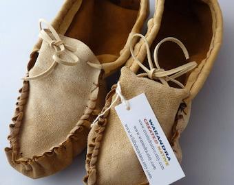 Cuir de cerf adulte cuir mocassins dames taille 8, regalia, chaussure maison, chaussures de danse, mocassin plaines, mocassin frangé