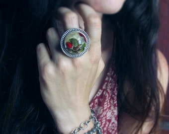 Statement ring with real barberry fruits, barberry flowers and dandelion seeds in resin