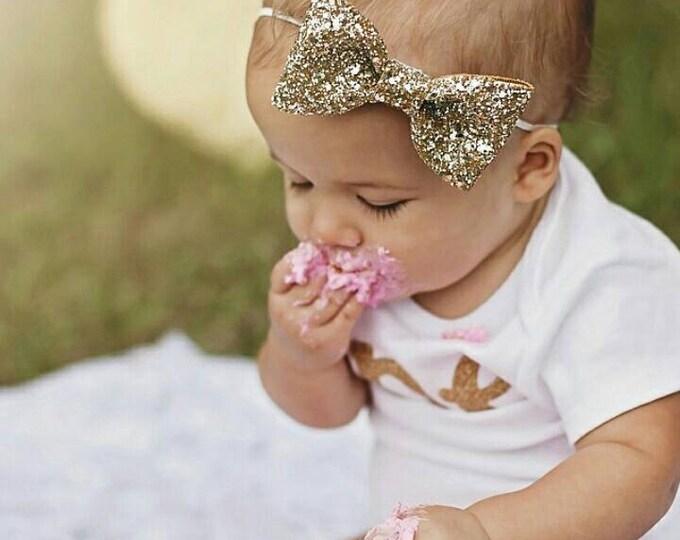 Glittery Gold Bow Headband || Gold bow || Glitter Bow || Baby Bow || Baby Headband || Hair Clip || Bow
