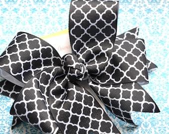 Black Quatrefoil XL Diva Bow