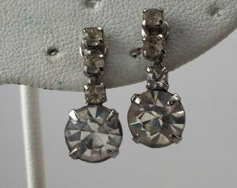 Vintage earrings, drop earrings, rhinestone drops, rhinestone earrings, white rhinestones, screw back