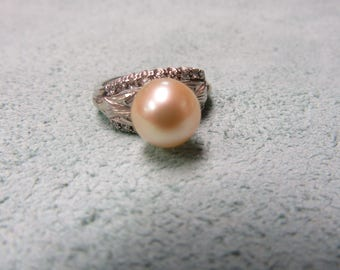Golden Pearl and Diamond Ring 18 Karat Gold by Jabelm 9.1 mm Pearl