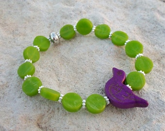 Bracelet Lime Green Vintage Lucite Round Beads with Purple Howlite Bird Jewelry Bead Stretch Bracelet