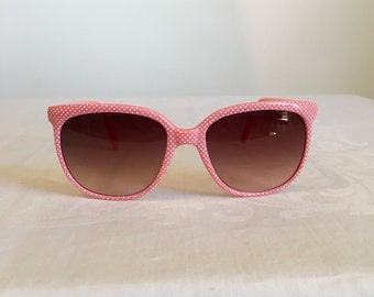 Pink vintage sunglasses, oversized seventies shades, pink plastic, tinted lenses, eyewear, made in Taiwan ROC, polka dot sunglasses