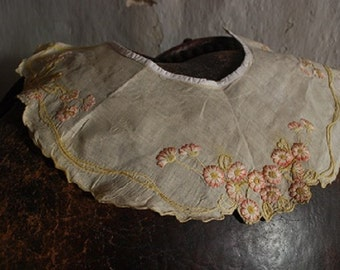 antique french silk collar, embroidered in flowers