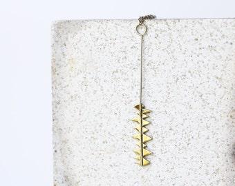 Collier irrégulière, en laiton et collier en argent, argent massif et laiton, ferronnerie main, pendentif irrégulière