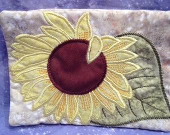 Sun Flower or Daisy mug rug