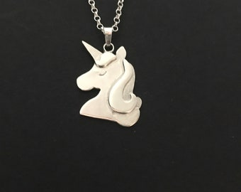 Necklace with unicorn pendant in sterling silver. Silver unicorn. Unicorn engraved. Handmade.