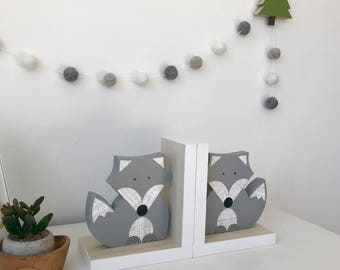 Fox Bookends, Gray and White, Gender Neutral, Woodland Nursery, Woodland Kids Decor, Children's Bookends, Fox Nursery, Forest Themed Baby