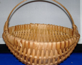 Vintage finely hand woven Egg/Vegetable Gathering basket