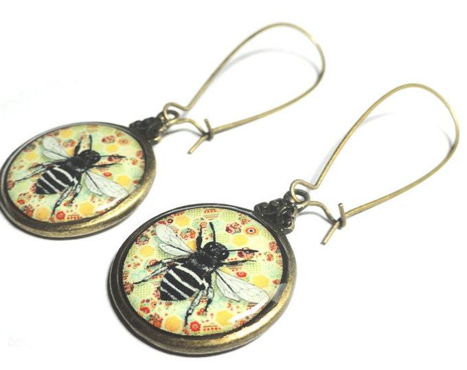 Bee Earrings, Honeycomb, Resin Earrings, Queen Bee Jewelry, Handmade, Resin Jewelry, Gift for Her, Resin Earrings, Queen