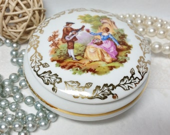 Vintage Limoges Trinket Dish With Lid ~ Made In France ~ Featuring Romantic Scene On The Lid And Gilt Decoration ~ 4 Inches Diameter