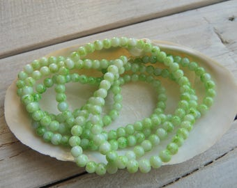 50 4 mm Green marbled resin beads