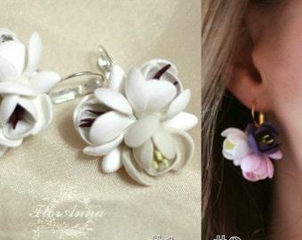 flower earrings, ivory earrings, pink earrings, gift for her, ivory bride jewellery, pink bridal jewelry, dark blue jewellery, white flower