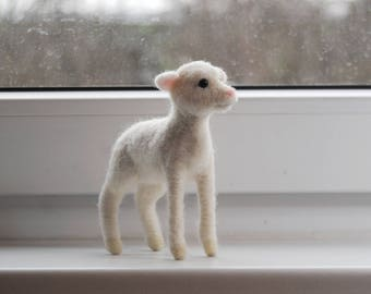 Needel Felted Lamb, Handmade Animal, Realistic Little White Lamb, Felt Sheep - made to order