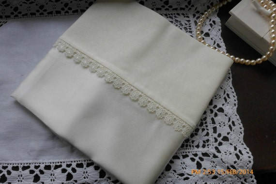 cream pure silk charmeuse pillowcase with guipure lace trim (pair)