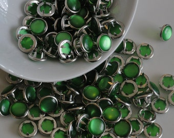 12 Snaps Pearl Set Grass Green 4 Part Prong Size 16