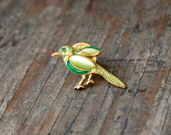 Small Green Bird Pin, Bird Jewelry, Bird Jewellery, Gemstone Bird Brooch, Tropical Bird Jewelry, Emerald Green Stone Pin, Cute Bird Jewelry