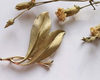 Vintage Trifari Leaf Brooch, Gold Tone Autumn Jewelry, Double Leaf Brooch 1950s- 1960s