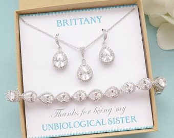 Personalized Bridesmaid Gift, Bridesmaid Jewelry, Bridesmaid Earrings and Necklace Bracelet Set, Mother of Bride Jewelry, Bridal Party Gifts