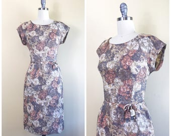 1950s Autumnal Metallic Floral Wiggle Dress / 50s / Vintage Shimmery Party Dress With Beaded Waist Embellishment / Small / Medium