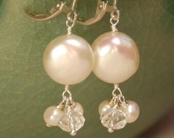 Pièce perle boucles d'oreilles mariées, perle d'eau douce véritable pièce blanc avec cristal de Swarovski clair & perle d'eau douce, argent massif, boucles d'oreilles de mariée