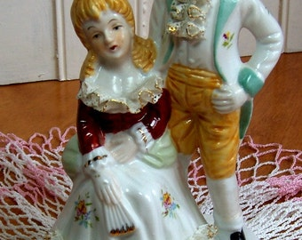 Vintage Victorian couple - Beautiful China lace Trim with Gilding - Figurine