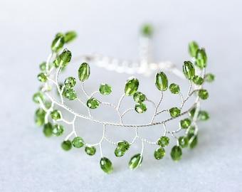 61 Green bracelet twig, Crystal bracelet, Silver bracelet, Delicate bracelet, Jewelry wire accessories, Green crystal bracelet, Women's gift