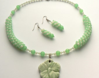 Light Green and White Flower Necklace and Earrings