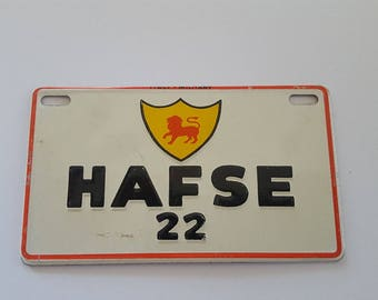 """Vintage 1954 Wheaties Cereal premium mini license plate military plate Italy, HAFSE 22 measures 3 7/8"""" x 2 1/4"""""""