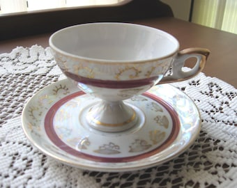 Footed Iridescent Tea Cup and Saucer Set - Sonsco Japan