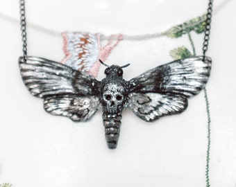 Skull Swarm Necklace Silver