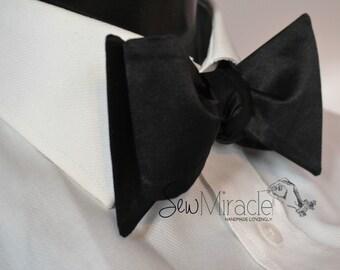 Black Silk Bow tie - Men's bow tie - Self-tied bow tie - Men's Accessory - Classic bow tie - Black tie - Tuxedo - Wedding