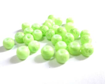50 beads Apple green cracked glass 4mm