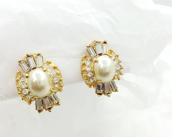 Roman Wedding  Pearl and Baquettes  Clip earrings  Art Deco  Mint condition