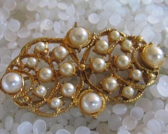Vintage barrette ,pretty pearl barrette, bridal hair,