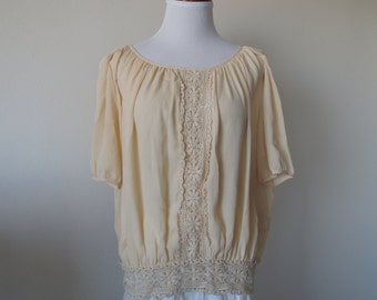 Chic Floral Crochet Lace Blouse Buttoned Back Style One Size
