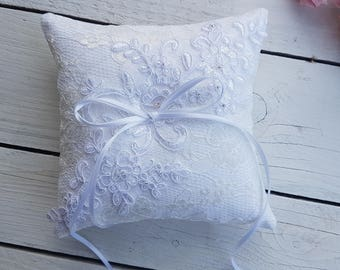 Heirloom lace ring pillow, aplique ring pillow, embelished lace ring pillow