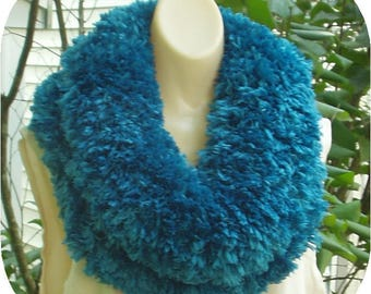 Handknitted Seaport Polyester Cowl