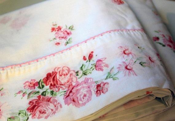 Vintage Pink Rosebud Bed Sheet