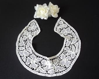 French vintage  hand made  white crochet neck collar (05528)