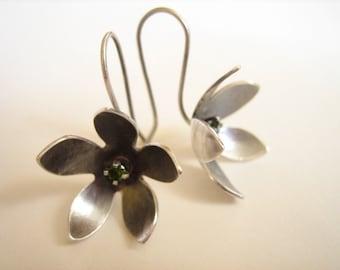 Earrings - Little silver flowers
