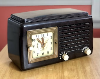 1940s General Electric Tube Radio Alarm Clock, Model 50, Tested Works and Sounds Great, Radio Collector, Father's Day