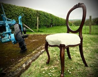 Ballon Back Chair