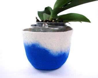 Blue felt Basket, Felt Bowl, Textile  Basket, Royal Bleu , off white wool felt, natural material,