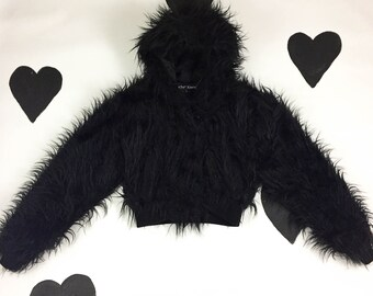 90's Betsey Johnson faux fur cropped jacket rare early 1990's club kid shaggy black synthetic fluffy monkey fur hooded crop bomber jacket S