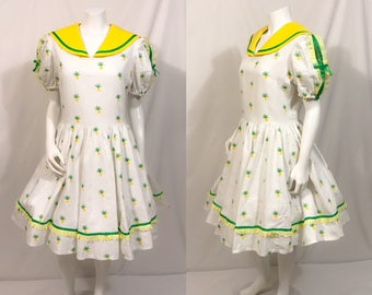 Vintage 1950s Style day dress, vintage day dress, floral cotton print dress