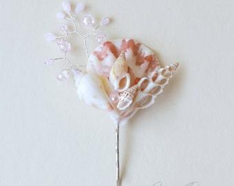 Light pink seashell bobby pin. Beach wedding hair accessories. Nautical wedding headpiece. Seashells hair pin