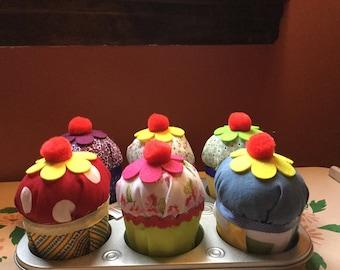Pretend play fabric cupcakes!